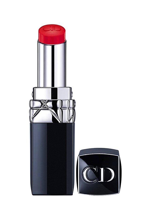 12. Christian Dior rujlar da harika indirimde! Mesela bu ruj şu anda 182 TL yerine 98 TL! Eğer markayı seviyorsanız mutlaka fırsatlarına bakın derim.