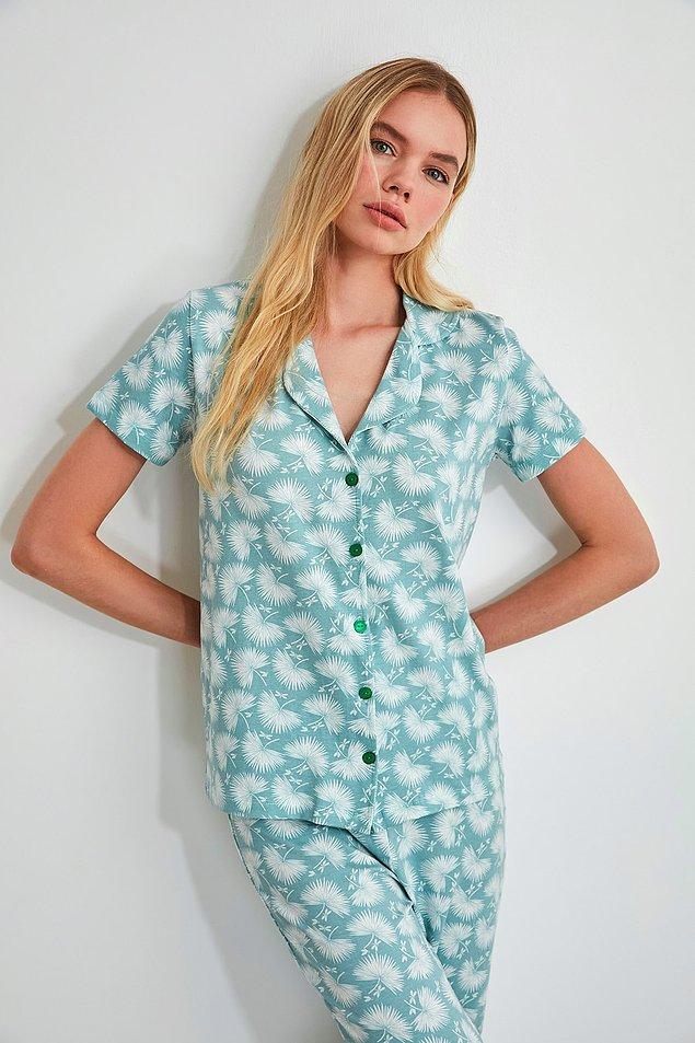 9. Rengi çok tatlı, dokusu yumuşacık. Pijama arayanlar buna baksın derim.
