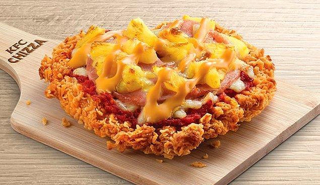 4. Hamuru çıtır tavuktan yapılmış pizza...