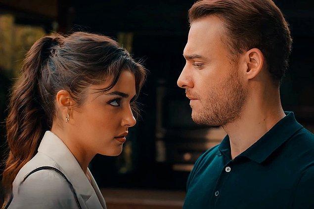 Sen Çal Kapımı dizisinin başrollerinde Hande Erçel ve Kerem Bursin var. Yazın en çok izlenen dizisiydi, sezonda da başarılı olacak mı göreceğiz dedik.