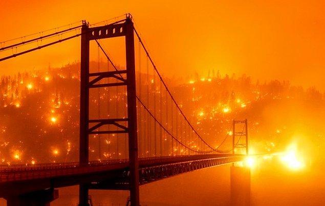 1. ABD'nin Kaliforniya eyaletinde geçtiğimiz haftadan bu yana yangınlar devam ediyor.