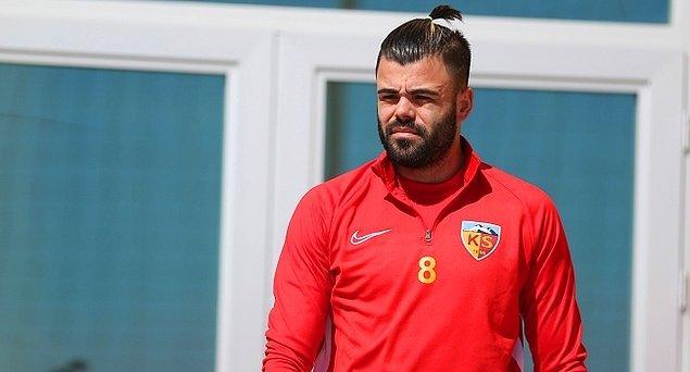 13. Hasan Hüseyin Acar ➡️ Galatasaray
