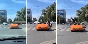 Бесценная реакция пешехода на водителя, который перегородил пешеходный переход