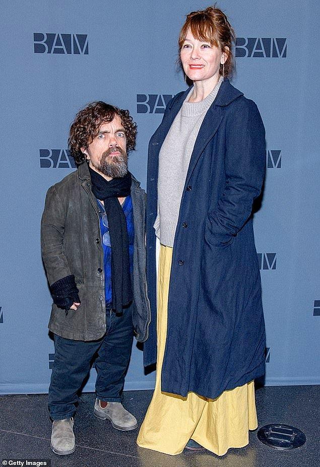 9. Erica Schmidt, Lannisterların en iyi kalplisi olan eşi Peter Dinklage'den 33 cm uzun.