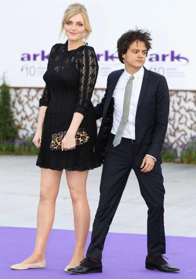 10. Eski model ve yemek yazarı Sophie Dahl, iki çocuğunun babası eşi Jamie Cullum'dan tam 18 cm daha uzun.