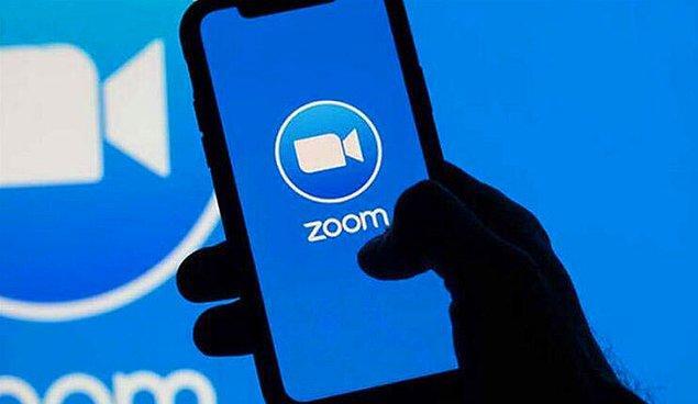 Zoom'u uzaktan eğitim döneminde kullanmak için bilgisayarınıza, telefonunuza ve tabletinize ücretsiz olarak indirebilirsiniz.
