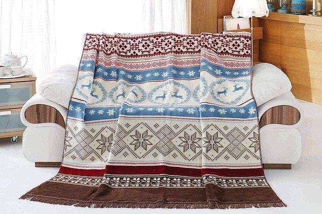 5. Sonbahardan kış sonuna kadar yatağınızdan ayırmayacağınız, renkleriyle deseniyle harika bir battaniye.