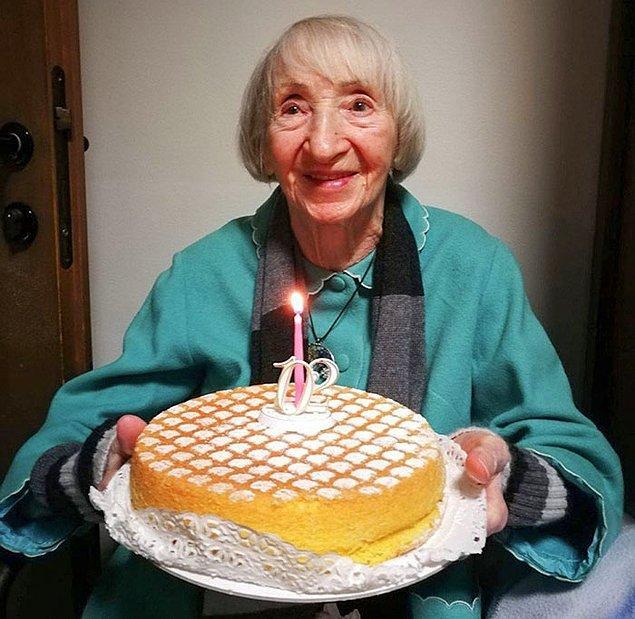 """12. """"102 taşındaki kadın, 20 günlük tedavinin ardından bu savaşın kazananı oldu."""""""