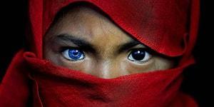 У детей коренного племени была замечена странная генетическая особенность, из-за которой их глаза становятся голубыми