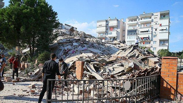 19:35 İzmir İl Sağlık Müdürlüğü, kentte dört hastanenin tahliye edildiği iddialarını yalanladı