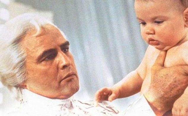 16. Marlon Brando, 'Superman' filmindeki 10 dakikalık rolü için 3.7 milyon dolar para almıştır.