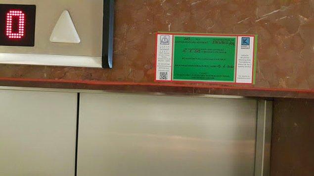 1. Birkaç katlı bir binaysa asansörlü olmasını tercih etmeniz birçok açıdan size rahatlık sağlayabilir. Binada asansör varsa asansörün etiketine mutlaka dikkat edin.