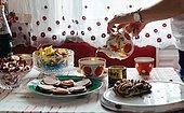 """Вдохновившись сериалом """"Чернобыль"""", пара из Вильнюса оформили квартиру в советском стиле и разместили ее на Airbnb, и иностранцы теперь мечтают в ней пожить"""