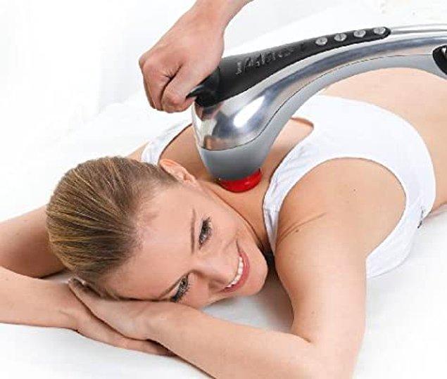 13. Kendi kendinize kullanabilmeniz için biraz büyük ve ağır bir masaj aleti. Ama size yardımcı olacak biri varsa tam anlamıyla evde masaj keyfini yaşayabilirsiniz.