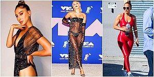 13 нарядов знаменитостей, которые запомнились больше всего в 2020 году