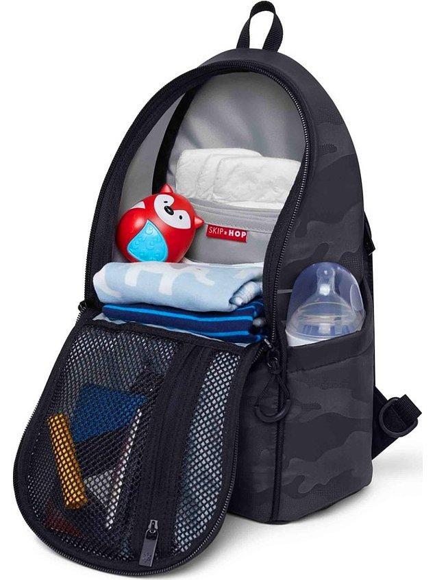 13. Bebeğinizin eşyalarıyla içini doldurabileceğiniz bir çantaya ihtiyacınız olacağı kesin. Skip Hop markasının bebek bakımı için tasarlanan çantası oldukça fonksiyonel...