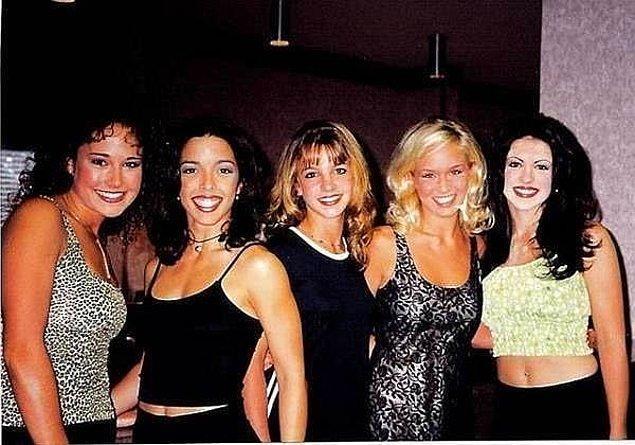 11. Solo kariyerine başlamadan önce, Britney Spears Innosense isimli tamamen kadınlardan oluşan bir grubun üyesiydi.