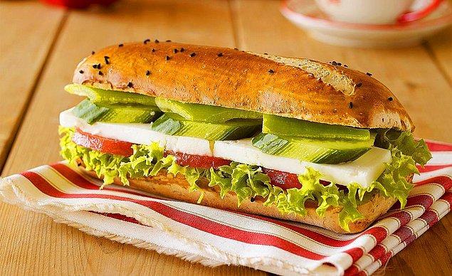 6. Beyaz Peynirli Sandviç Tarifi: