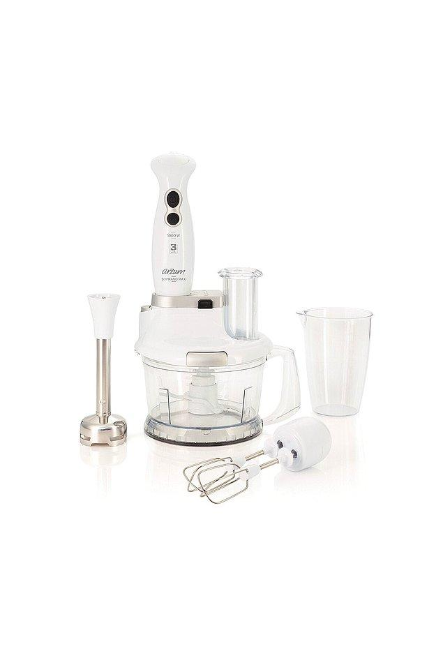 9. Küçük ev aletleri denilince akla gelen ilk şey bu mutfak robotları oluyor.