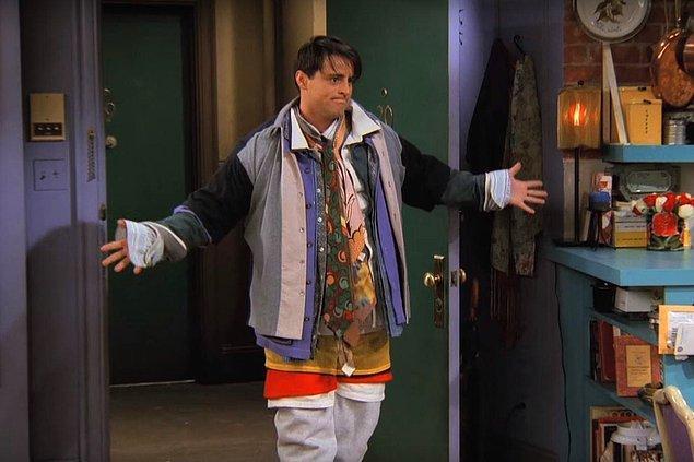 10. Sürekli kat kat giyinmek zorunda kalırsın. Üstündeki elbiseler bazen senden daha ağır olur. Taşıyamazsın.