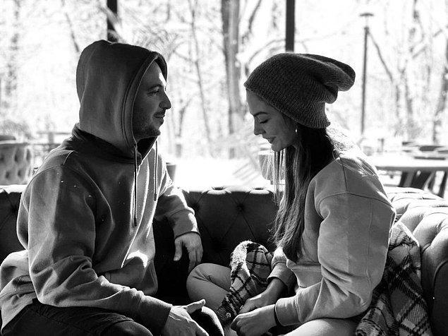 İşte Demet Özdemir'in Paylaştığı Romantik Fotoğraf