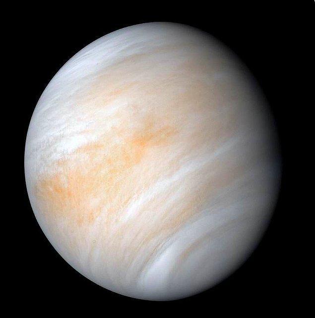 Venüs (Önce Aslan sonra ise Başak takımyıldızında)