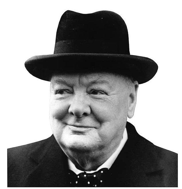 Winston Churchill'in ünlü bir tablosu, Pazartesi günü bir müzayede evi tarafından 7 milyon sterline yani 8.1 milyon avroya satılmıştır.