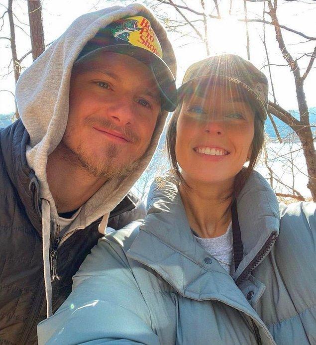 27 yaşındaki oyuncu şu an Kristy Dinsmore ile birlikte...