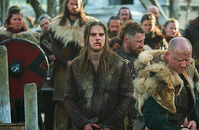 4. Danimarka doğumlu Marco Ilsø, Hvitserk karakteriyle hayatımıza girerek bizi kalbimizden vurdu.