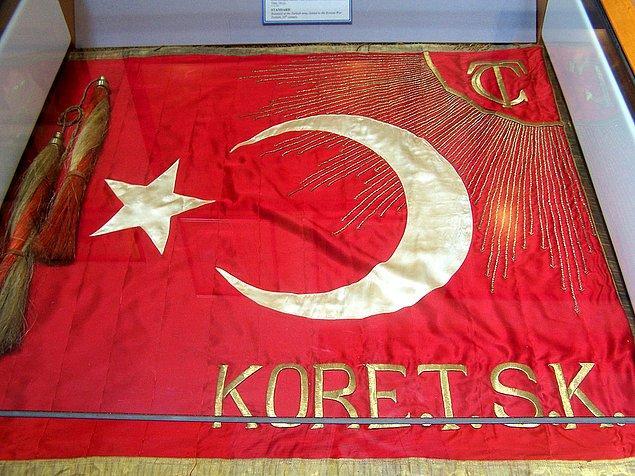 """Kazananı olmayan bu savaşın Türk tarafı için """"kan bedeli"""" NATO'ya alınmak olur. Hatta Demokrat Parti milletvekili Samet Ağaoğlu şöyle der: """"Bir avuç kan verdik; ancak büyük devletler arasına katıldık."""""""