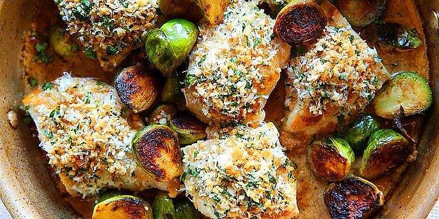 5. Sarımsaklı Ekmekli Tavuk Tarifi: