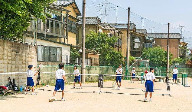 4. Öğrenciler okul sonrası atölyelere katılırlar.