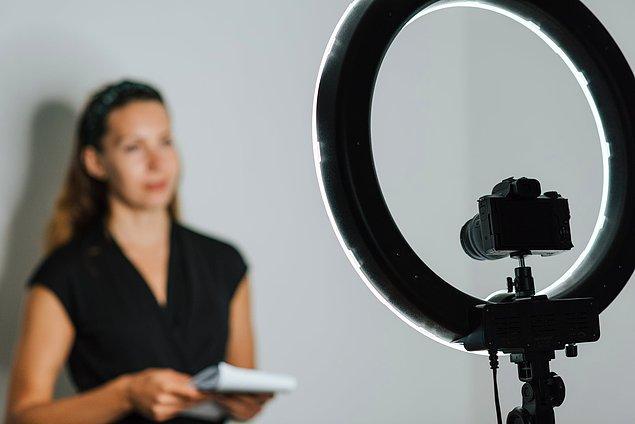 Ürünlerinizi veya sunduğunuz hizmeti pazarlamak için seçebileceğiniz en etkili yöntemlerden biri video içerikleridir.