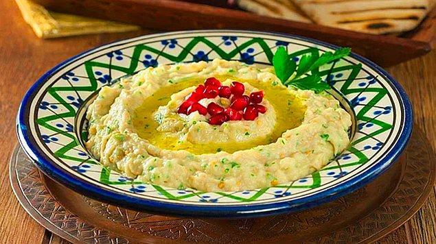 9. Patlıcanlı Yoğurt Salatası