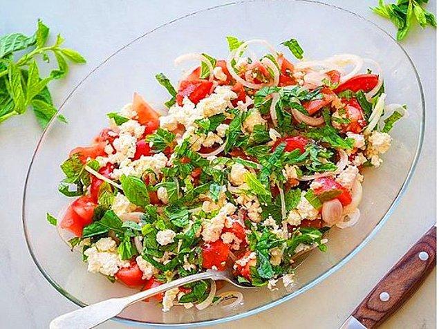 4. Çingene Salatası Tarifi: