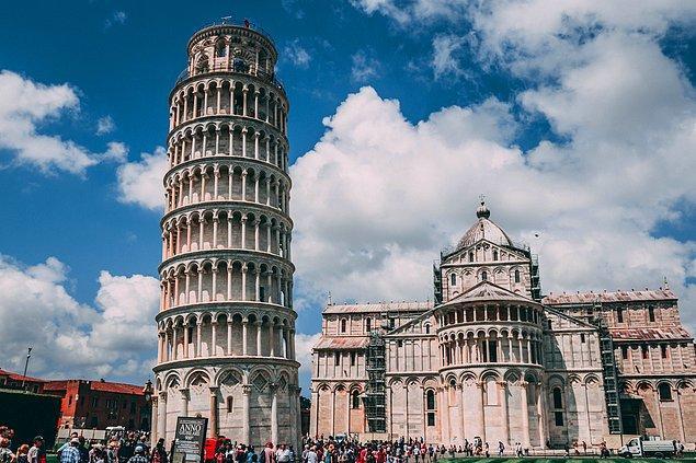 8. İtalya