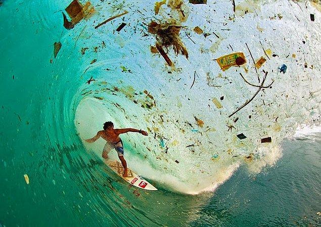 19. Java, Endonezya: Atık sistemi olmadığı için atıklar direkt olarak akarsulara ve nehirlere atılıyor.
