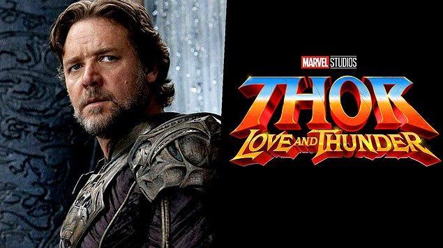 10. Russell Crowe, Thor: Love & Thunder'da Zeus'u canlandıracağını açıkladı.