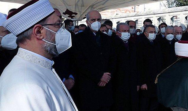 Başkan Erbaş, tam kapanma sürecinde camilerin açık olacağını belirterek, şöyle konuştu 👇