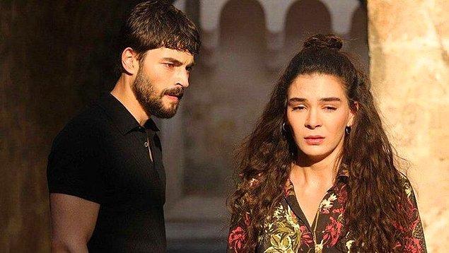 Öte yandan diğer başrol oyuncusu Ebru Şahin'le de dizi final yapar yapmaz birbirlerini silmişlerdi.