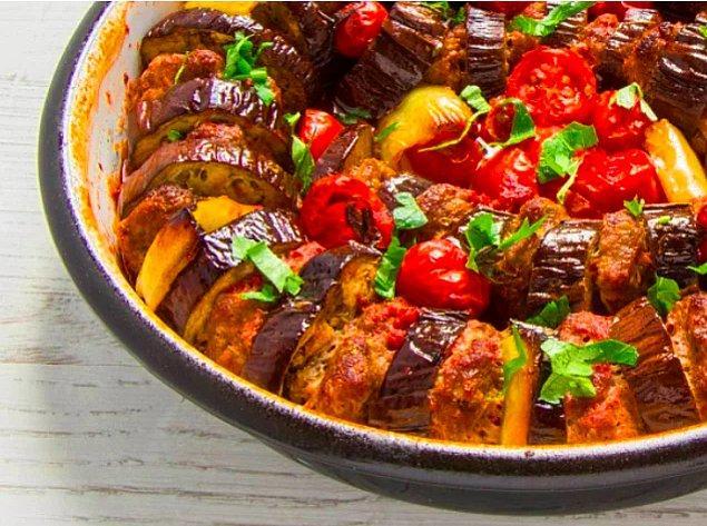 12. Patlıcanlı Köfte