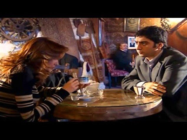 Avukat Canan Çavan, Polat Alemdar'a kahve falı bakarken…