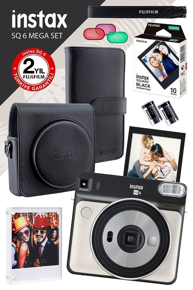 3. Herkesin bayılacağı Fujifilm Instax SQ 6 fotoğraf makinesi...
