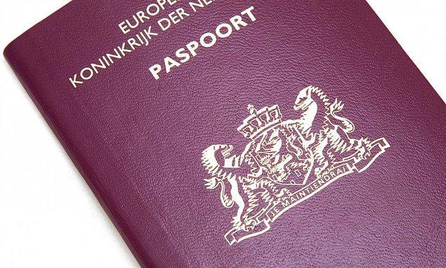 Her şey online da değil... Fiziksel belge satışları da var. Mesela Hollanda pasaportu 4 bin dolar.