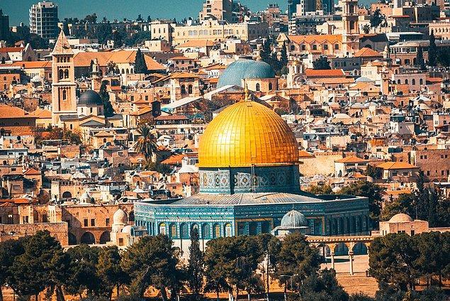 Mayıs ayında uygulanacak karar için şiddet içerikli olmayan eylemlerde bulunan Filistinlilere İsrail polisi müdahale etti.