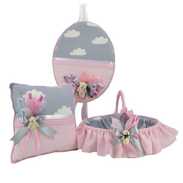 16. Pembe bulut desenli bebek oda süsleme seti kız bebekler için geliyor.