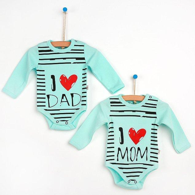 14. Çünkü her bebek hem annesini hem de babasını çok sever. Bunu da body'si ile dünyaya haykırmak ister.