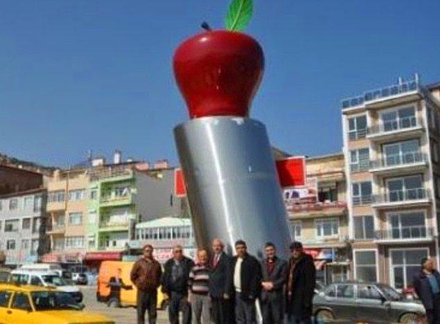 15. Uzunca bakarsanız elmayı görebileceksiniz.