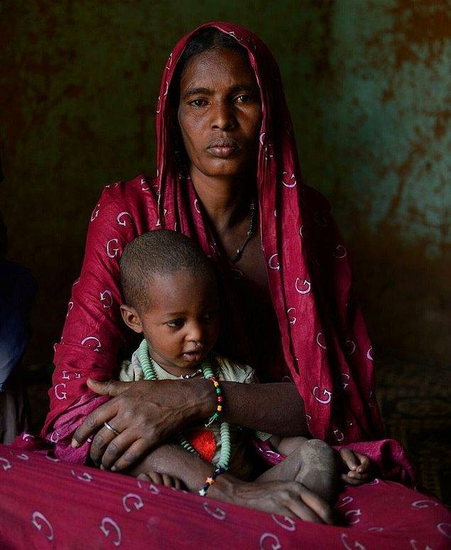 6. Aileler ise genellikle, evlendikten sonra kadının adının sahip olduğu ve adını verdiği çadırda yaşıyor.