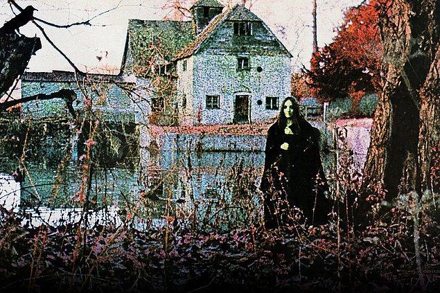 Ancak heavy metal tarihini belli bir albümden başlatacak olsak, bu herhalde Black Sabbath'ın ilk albümü olurdu!